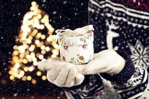 Familien mit Arbeitslosengeld (ALG) 2: Weihnachtsgeld von den Großeltern an die Enkel wird nicht angerechnet.