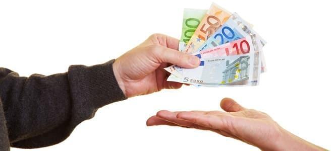 Erhalten Sie ein Darlehen vom Jobcenter? Wie hoch es ausfällt, hängt davon ab, wofür Sie es benötigen.