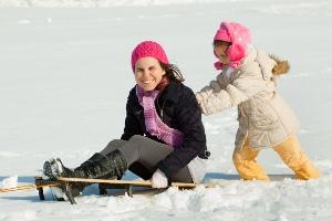 Kindergeld: Wie lange es gezahlt wird, hängt vom Alter und dem weiteren Lebensweg der Kinder ab.