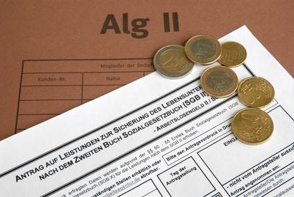 Einen Teil Ihres auf dem P-Konto befindlichen Geldes können Sie für den nächsten Monat sparen.